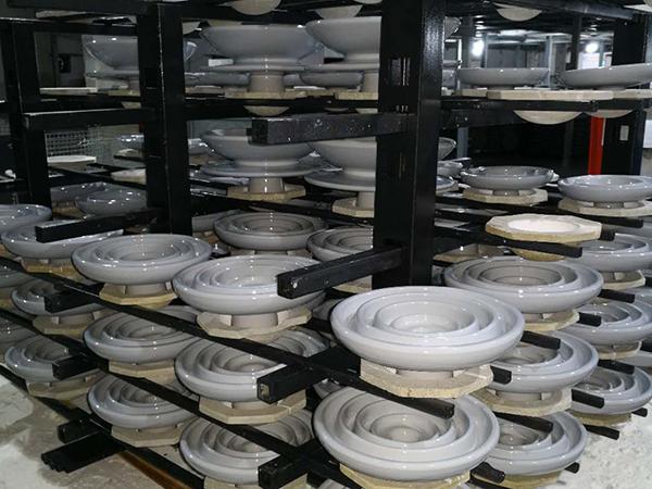 横梁和立柱在电瓷行业中的应用